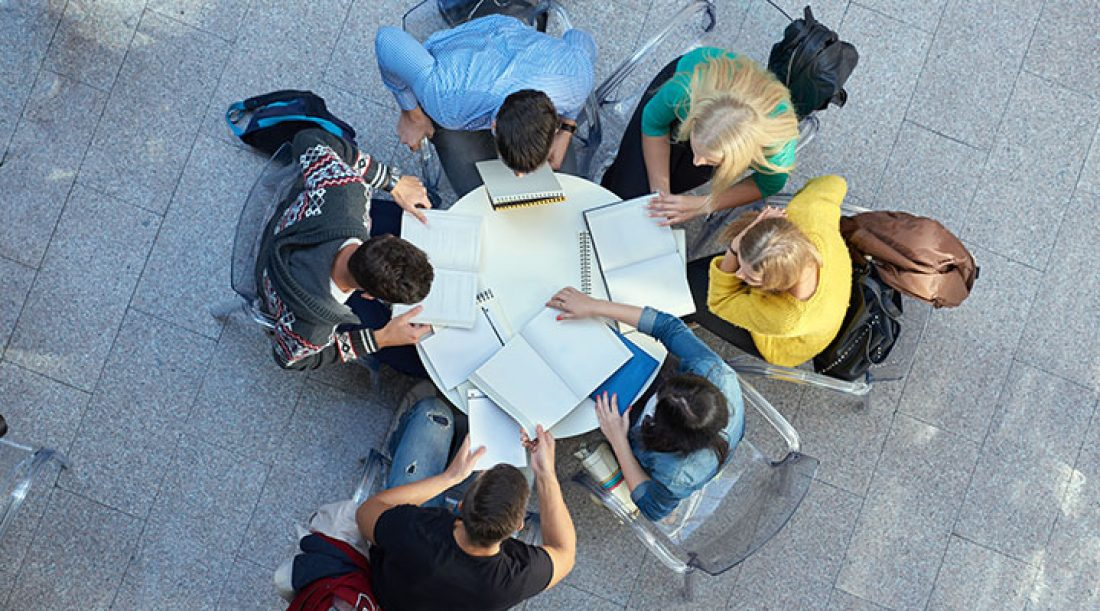 6 Reasons Your Assembly Should Have a Small Group Bible Study